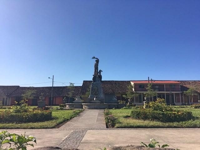 statue in granada nicaragua