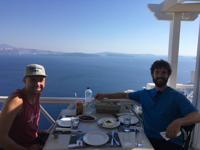 lunch in oia