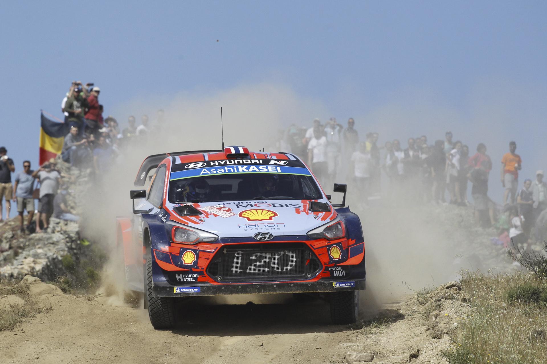 HyundaiMotorsport_RallyItaliaSardegna2019_Final_Mikkelsen_03
