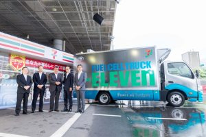 7-Eleven truck equipped with Toyota fuel cell system.