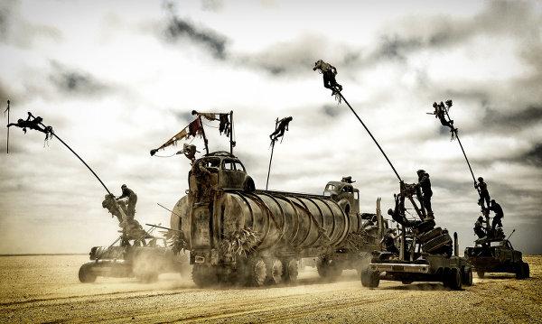 La meilleure façon d'attaquer un camion, c'est de monter sur un mat. Logique. Photo Village Roadshow Films