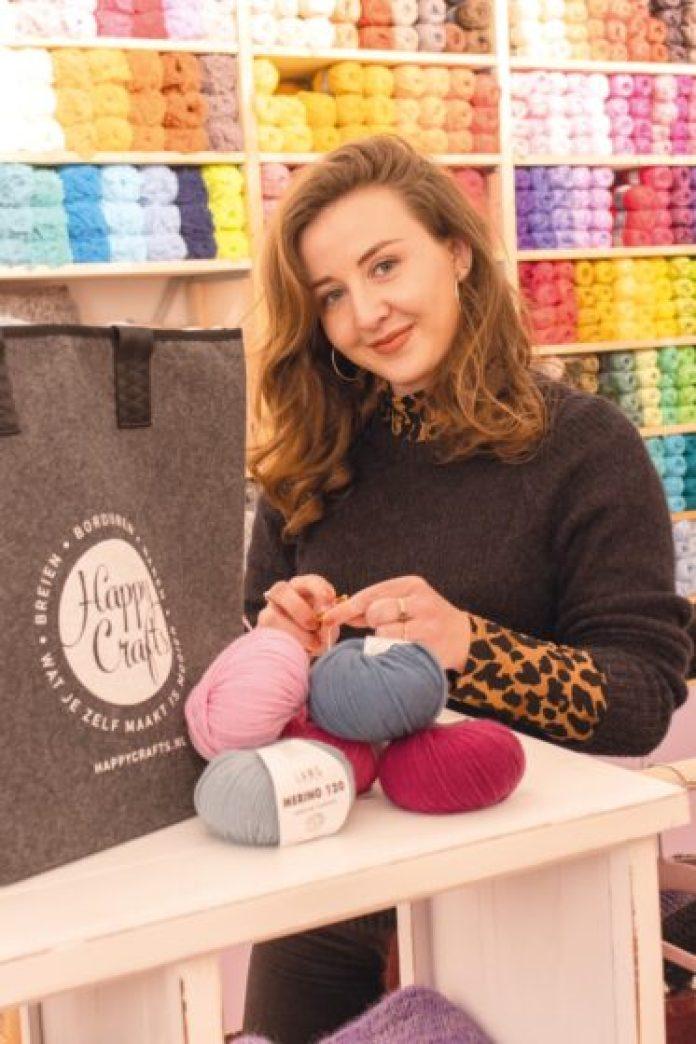 Winkeleigenaresse Rachel van Happy Crafts Schagchelstraat Haarlem.