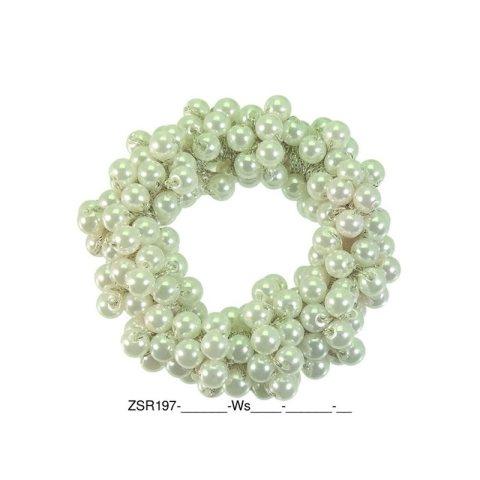 Zopfgummi mit vielen weißen aneinander gereiten Perlen mittelgroß weiss