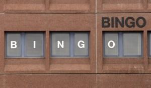 Bingo - Online v traditional bingo hall bingo