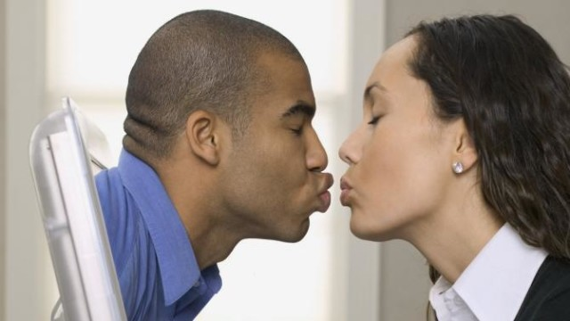 4 Reasons why Nigerians Prefer Online Dating