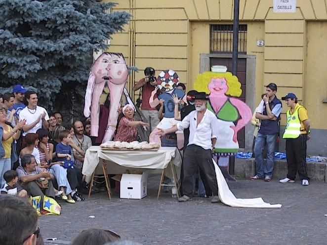 spettacolo Bread & Puppet