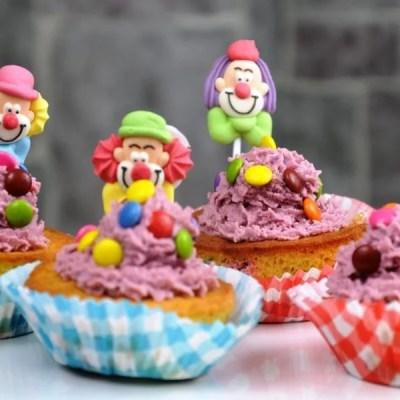 Lustig, bunte Faschings Cupcakes