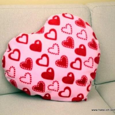 Anleitung für ein selbst genähtes Herz Kissen