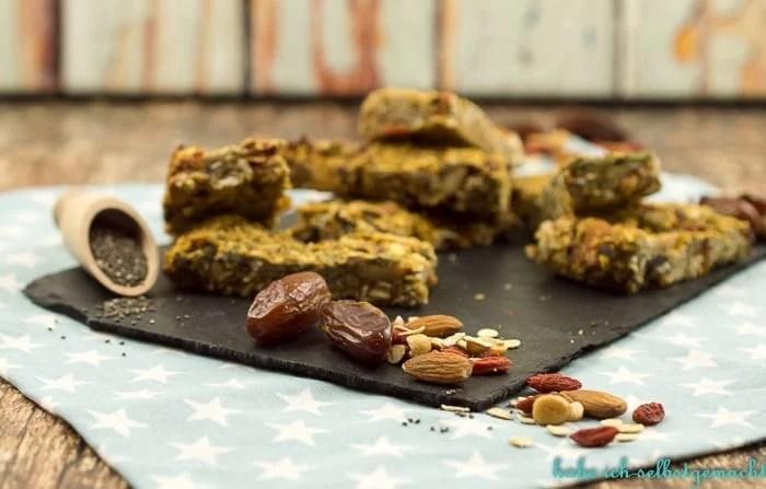 gesunde-granola-superfood-bars