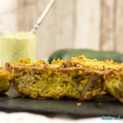Herzhafter Walnuss Zucchini Gorgonzola Kuchen mit Dip