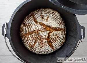 Saft-Trester Brot mit Sauerteig und Weizen 3