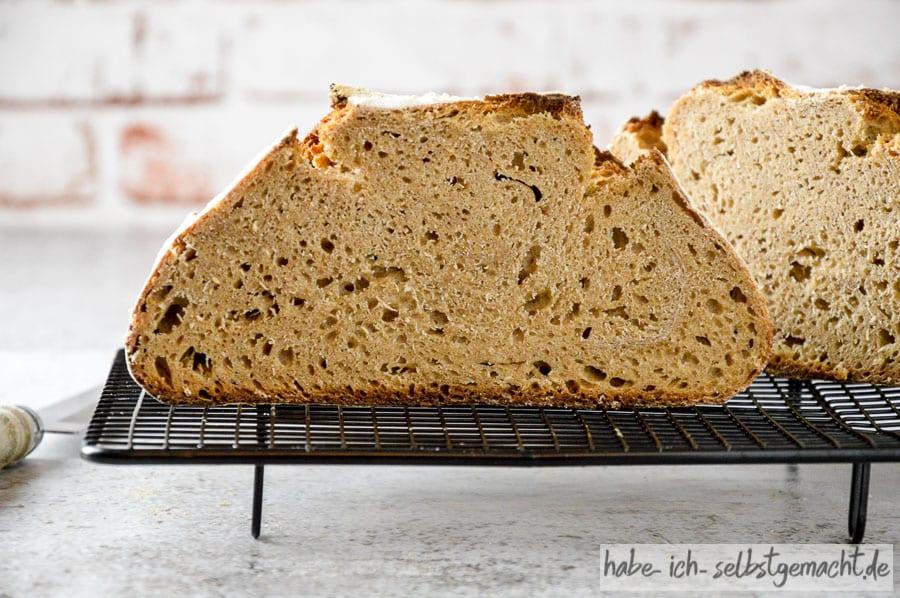 Braunhirse Brot - kleinporige, weiche Krume