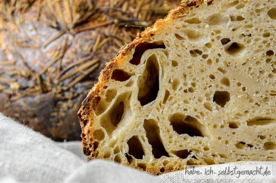 Mediterranes Rosmarin Sauerteig Brot