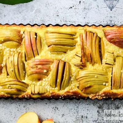 Saftiger Apfelkuchen mit Schmand und Calvados