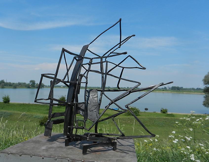 sculptuur van staal