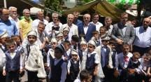 Bozbey sünnet çocuklarının heyecanına ortak oldu