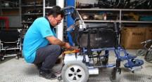 Tekerlekli sandalyeler ücretsiz tamir ediliyor
