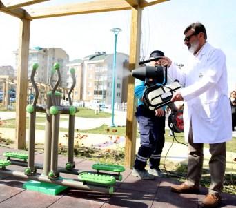 Nilüfer'de parklar dezenfekte edildi