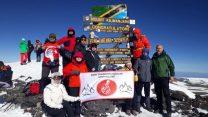 Bursalı dağcı grubu Afrika'nın çatısına tırmandı