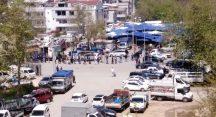 Yunuseli pazarında sosyal mesafeli alışveriş kuyruğu