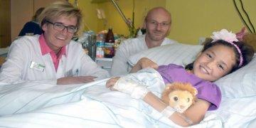 Afganistanlı minik kız Dortmund'da tedavi edildi