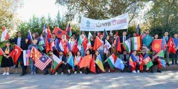 Dünyanın dört bir yanından yüzbinlerce öğrenci Türkiye'yi tercih etti