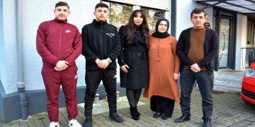 Türk aile ırkçıların cenderesinde  korku içinde yaşıyor