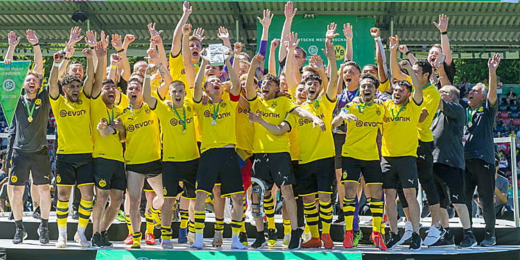 Borussia Dortmund U19 Almanya şampiyonu