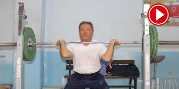 75 yaşındaki halterci gözünü dünya şampiyonluğuna dikti