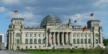 Alman kültürünü benimseyenler vatandaş olacak