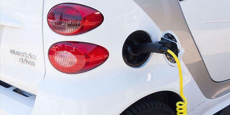 AB'den elektrikli otomobillere 'ses' zorunluluğu