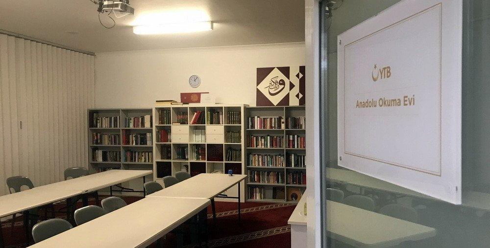 YTB'den Dünyanın Dört Bir Yanına Kütüphane