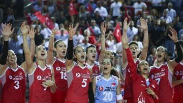 A Milli Kadın Voleybol Takımı Fransa'yı rahat geçti