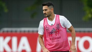 Manchester City İlkay Gündoğan'ın sözleşmesini yeniledi