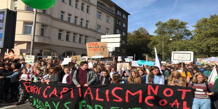 Küresel iklim değişikliğine karşı Almanya'da büyük grev
