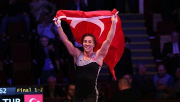 'İlklerin kadını' Yasemin Adar, dünya şampiyonluğu peşinde