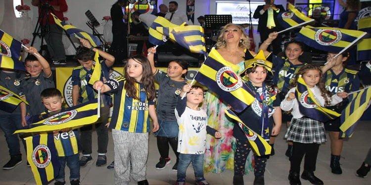 Sarı kanaryalar 10.yılını balo ile kutladı