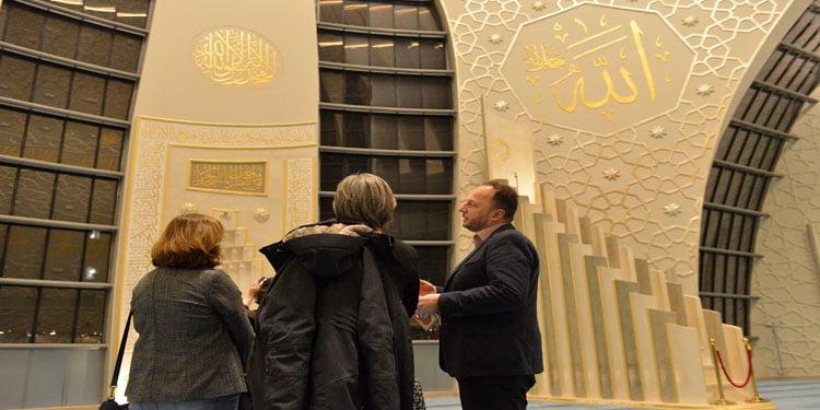 Merkez Cami'nin mimarisi fotoğraflara yansıdı