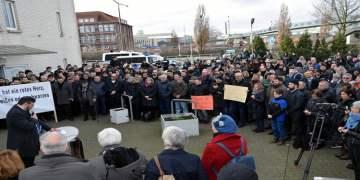 Almanya'da artan ırkçı saldırılar Bremen'de protesto edildi