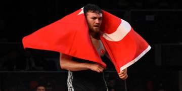 Milli güreşçi Süleyman Karadeniz Avrupa şampiyonu