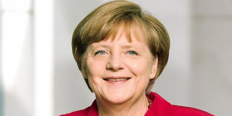 Merkel'den 30. yılda daha fazla birliktelik çağrısı