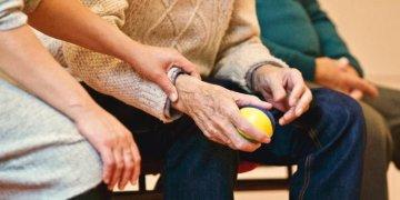 101 yaşındaki nine huzurevinden kaçtı