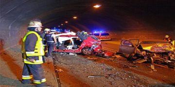 Tünelde kaza iki ölüm getirdi