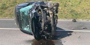 Aracı ile takla atan şoför kaçtı
