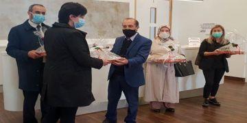 Camiden sağlık çalışanlarına baklava ikramı