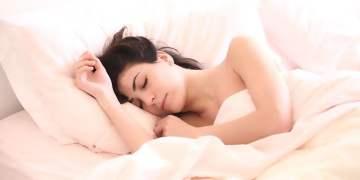 Eşi ile yatanlar daha sağlıklı uyuyor