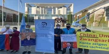 Çin'in Sincan, Hong-Kong ve Tibet politikası protesto edildi