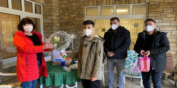 DİTİB'li öğrencilerden huzurevi sakinlerine hediye