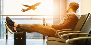 Hollanda'ya uçakla gelenlerden negatif korona testi zorunluluğu