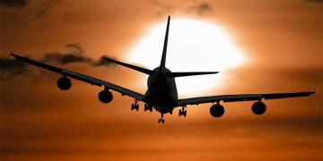 """""""Yurt dışı uçuşlarda dijital sağlık pasaportu olacak"""" uyarısı"""